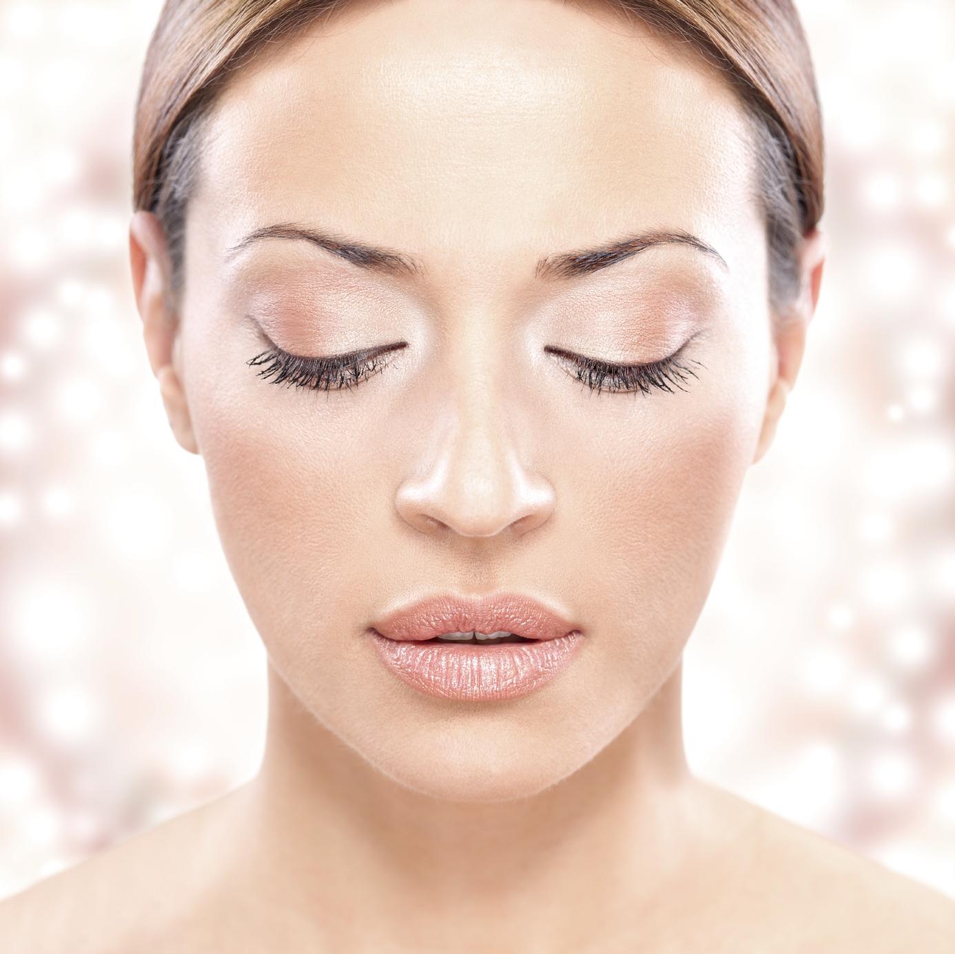 Красивый макияж для круглого лица фото